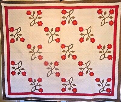 Early Museum  Red And  Green Antique  Applique Quilt