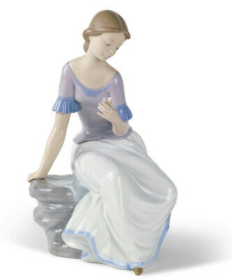 Nao By Lladro Spring Reflections Bnib #1392 Girl With Flower Sitting Large Save$