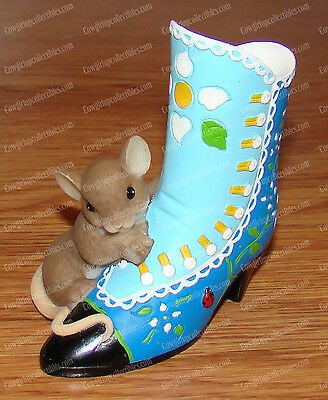 4025770 - Beautiful Sole is Always in Fashion (Charming Tails) Victorian Boot