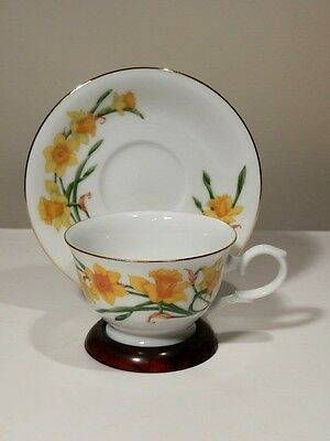 Avon March Jonquil Blossoms Of The Month Cup And Saucer 1991 Mint