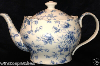 Peppertree Tabletops Imports Blue Toile Teapot 38 Oz Blue Flowers & Leaves