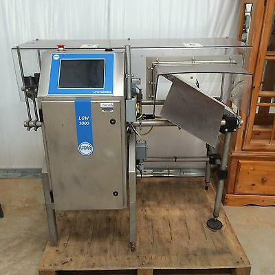 LOMA LCW 3000 CHECKWEIGHER With Automatic Reject and Conveyor