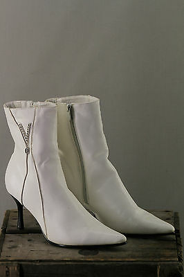 Bottines Facon Cuir Blanc Pointues Talons Fin Fourrees Taige T 39 Vintage