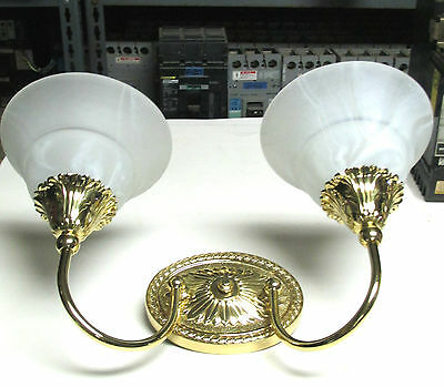 NEW  Luminaire Heavy Brass Incandescent Wall Sconce Fixture # 812202 . MISC-100