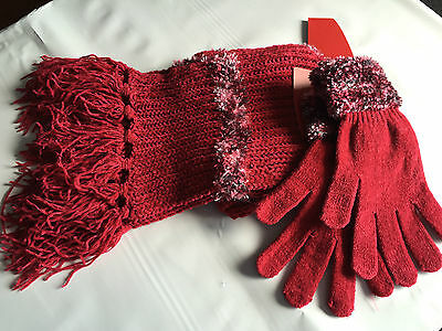 BNWT Ladies Teenage Girls BHS Brand Soft Red Tassle Gloves Scarf Set One Size
