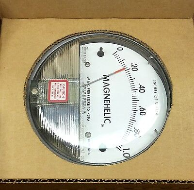 """Dwyer 2001 Magnehelic Differential Pressure Gage 0-1.0"""" Water New In Box"""