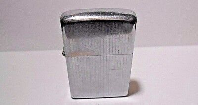 Vintage Zippo 1974 ////-//// Etched Vertical Lines Chrome Cigarette Lighter