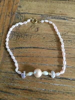 Small,pearl Bracelet 9 K T Gold Clasp