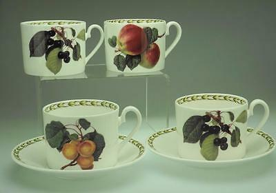 Lot of 6 Rosina-Queen's Hookers Fruit including 2 Saucers and 4 Flat Cups VA101
