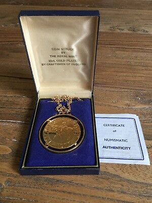 Coin Pendant By royal Mint 22 Ct Gold Plated 1977 Silver Jubilee