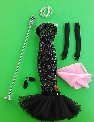 *MINT* SOLO in the SPOTLIGHT #982 Vintage BARBIE Repro w COMPLETE ACCESSORIES