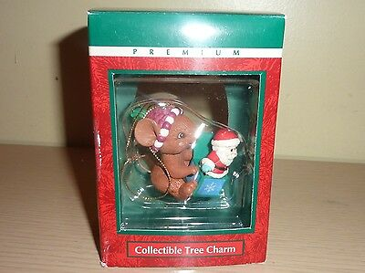 Lustre Fame Ornament ~ Mouse with Jack in the Box Santa