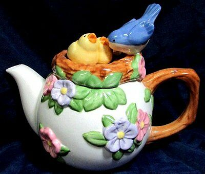 Beautiful Spring Summer Birds Nest Teapot and Lid