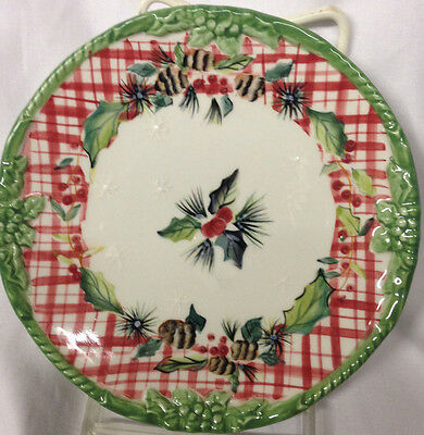 """Tracy Porter Winterland Collection Canape Plate 6"""" Red Green Holly Pine Cones"""