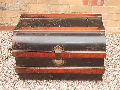 Stunning Vintage Travelling Tin Trunk / Storage Chest ~ Unique Coffee Table!