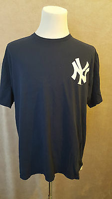 very rare NEW YORK YANKEES Majestic #42 Rivera T-Shirt Size: XL VERY GOOD Cond