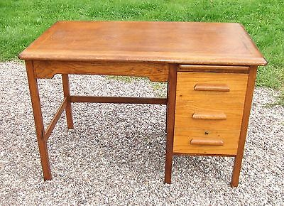 Small Vintage Light Oak Desk ~ with Drawers