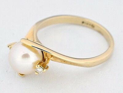 Women's 7.0 mm 3 Stone Pearl & Diamond Ring in 14k Solid Gold