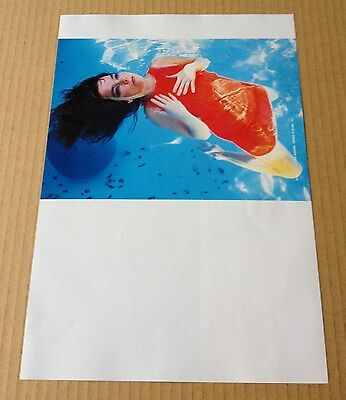 2000 Bjork in pool floating JAPAN mag photo pin-up mini poster / clipping b10r