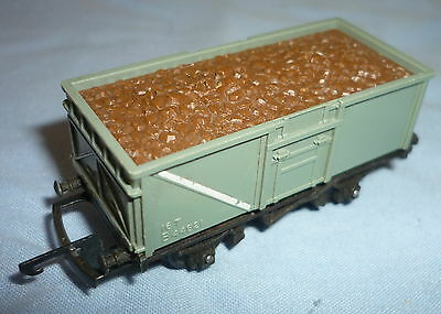TRIANG TT GAUGE BR 16 Ton MINERAL TRUCK B44821 with IRON ORE LOAD T270