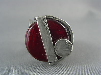 BOLD CHUNKY! Vtg Pewter Red Glass MODERNIST Ring ANNE MARIE CHAGNON Size 6