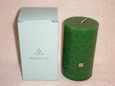 Partylite 3 x 5 Spruce in the Snow Crackle Pillar -- RETIRED