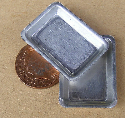 1:12 Scale 2 Small Shallow Metal Baking Tin Trays Dolls House Food Accessory Sh