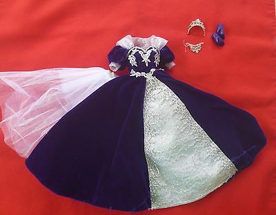 Deep blue velvet Barbie Holiday dress, with accessories
