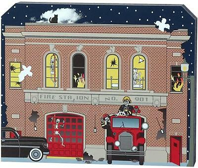Cat's Meow Village Halloween Dry Bed Creek Fire Department #16-631 NEW SHIP Disc
