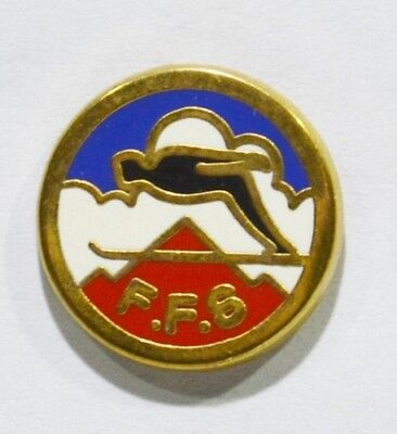 Pins Ski Ffs Federation France Saut A Ski Metal Epais Alpes Trophees 2.5 Cm