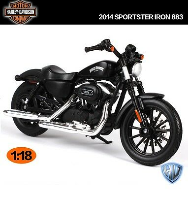 MAISTO Motorcycle Model 1:18 Harley 2014 Sportster Iron 883 Collectible Gifts