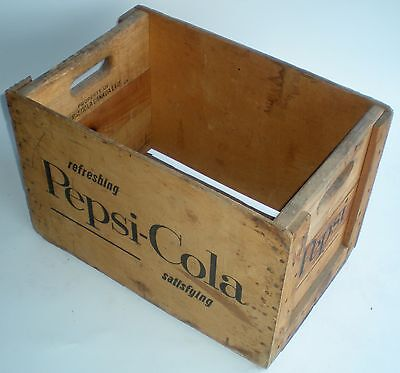 Vintage Wood Wooden Crate Refreshing Satisfying Pepsi Cola Canada Pop Soda Wow