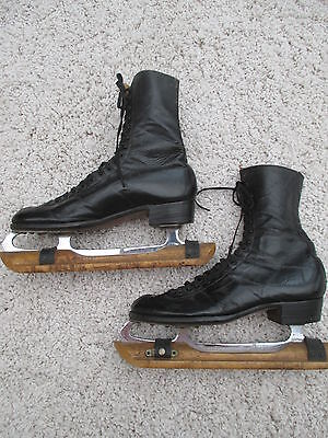 Vintage 1930s (?) black leather Canadian ice skates with wooden stand size ? 8