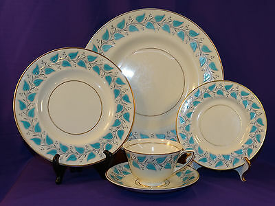 "Royal Doulton China 5 Pc Place Setting ""Coventry"" Turquoise Blue Leaf England"