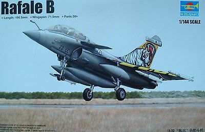 TRUMPETER® 03913  French Rafale B in 1:144