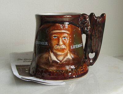 Great Yarmouth Mug Cromer Lifeboat Coxn Billy Davis 433 Of 500 With Cert