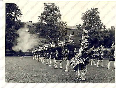 1954 LEEDS The Coldstream Guards for the Northern Command Tattoo *Photo 20x15
