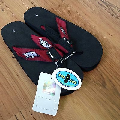 5e29b76eba9da1 Arkansas Razorbacks HOGS Wms Sz 5 6 7 Sandals NCAA College Team Flip Flops  Shoes