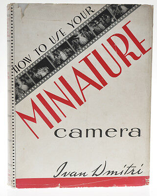 "I.Dmitri libro ""How to use your miniature camera""  in inglese D881"