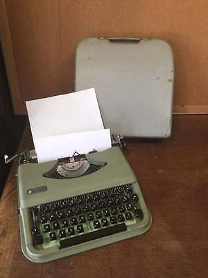 Vintage Antares Parva Portable Typewriter with Case