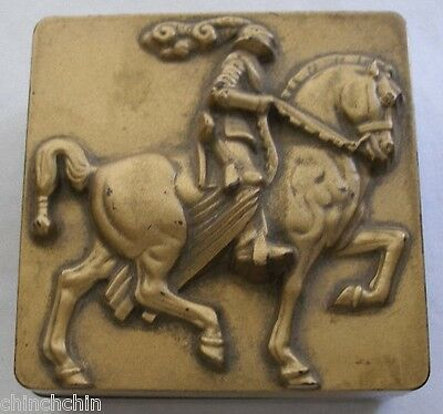 DECO MODERN Sculptural KNIGHT HORSE Box SIGNED HICKOCK Bakelite or other PLASTIC