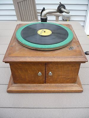Victor Victrola Tabletop Phonograph Record Player VV- VI 1919 written inside