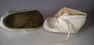 Baby Shoes  Boots with lace ties  Off White   True Vintage Mothercare  1970s
