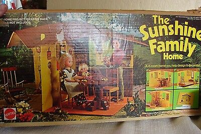 1974 Mattel Sunshine Family Home Fold-Up Doll House w/ Box No Dolls or Furniture