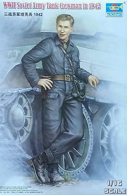TRUMPETER® 00701 WWII Soviet Army Tank Crewman in 1942 in 1:16