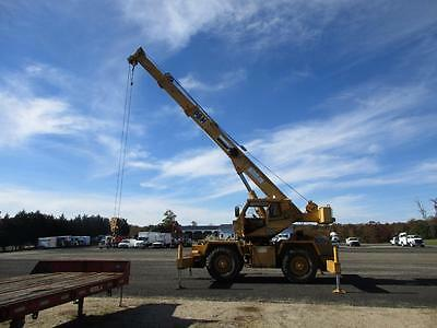 P&H Omega Crane 22 Ton Detroit Diesel Hydraulic Stabilizers Enclosed Cab