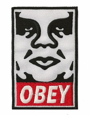 Ecusson thermocollant patche badge transfert OBEY Street Art patch
