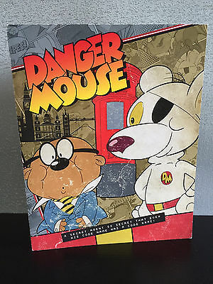 Brand New Mint Condition Danger Mouse Collectors 2016 Stamp Set of 16 Folder