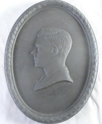 Wedgwood Basalt Edward VIII Duke of Windsor Memorial Medallion England c1972