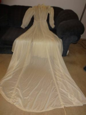 Vintage 1970's Ivory Chiffon Knit type Fabric Wedding Dress sz 13/14 w/ Train